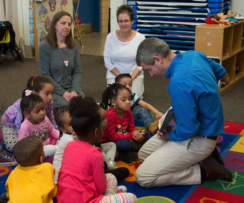 Petters Visits Downtown Hampton Child Development Center