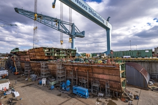 Newport News Shipbuilding Completes 806-metric Ton Superlift