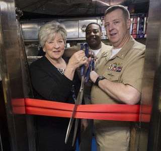 Photo Release-Huntington Ingalls Industries Celebrates First Meal Aboard Submarine Indiana