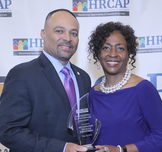 Photo Release--Huntington Ingalls Industries Honored for Service to Hampton Roads Community