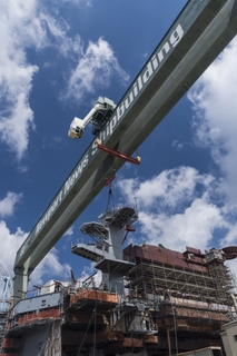 USS George Washington (CVN 73) Radar Tower Lift