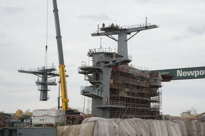 USS George Washington (CVN 73) Mast Lift