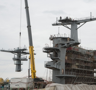 Video Release--Huntington Ingalls Industries Completes Installation of USS George Washington (CVN 73) Main Mast