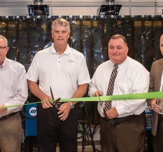 Photo Release--Ingalls Shipbuilding Opens Talent Development Lab at Pascagoula High School