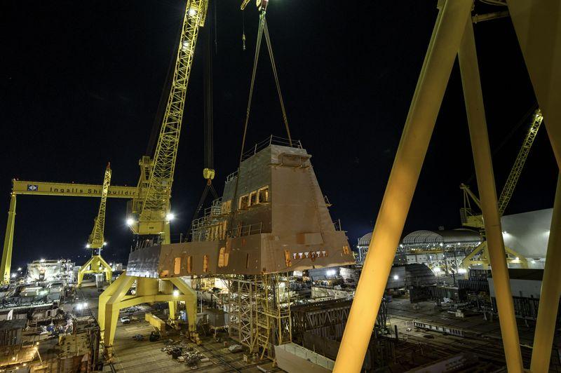 DDG 125 Aft Deckhouse Lift