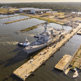 DDG 119 moves to East Bank