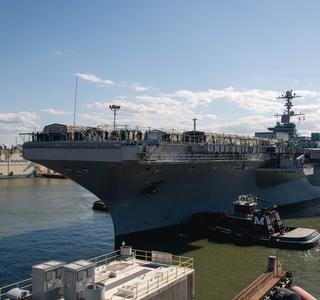 USS John C. Stennis (CVN 74) Arrives