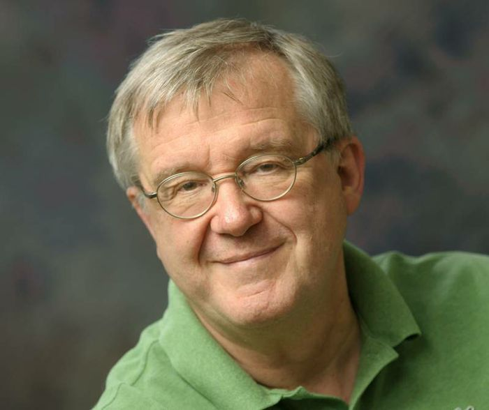 Klaus Schulten is a full-time faculty member at the Beckman Institute for Advanced Science and Technology and Swanlund professor of physics at the University of Illinois Urbana-Champaign.