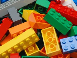 Going to Pieces: Inventor Sorts 2 Million Lego Blocks with AI