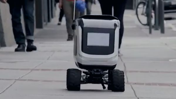 Kiwi Delivery Robots Tackle Student Snack Attacks