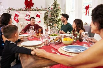 How To Discuss Family Finances Over the Holidays