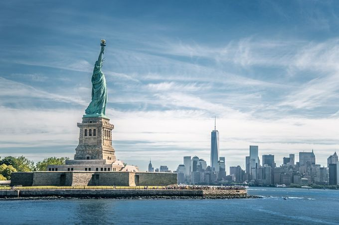 Statue_of_Liberty_in_NY_Harbor