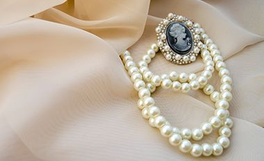 5 Tips For Selling Your Estate Jewelry