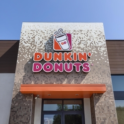 DUNKIN' DONUTS ANNOUNCES PLANS FOR FIVE NEW RESTAURANTS IN JACKSONVILLE AND FERNANDINA BEACH, FLORIDA, AND BRUNSWICK, GEORGIA, WITH EXISTING FRANCHISE GROUP FLMS FOODS, INC.
