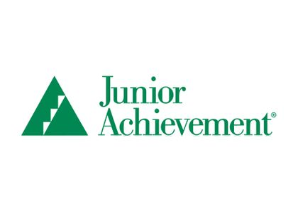 Associated Bank colleagues in Sheboygan volunteer with Junior Achievement's JA Our Region program to teach financial literacy