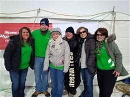 Associated Bank Chippewa Valley colleague takes the plunge to support Special Olympics