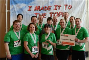 Associated Bank colleagues support the American Lung Association one step at a time