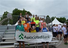Associated Bank colleagues participate in annual Bellin Run