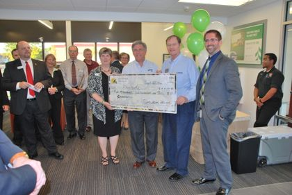 Associated Bank celebrates grand opening of Casaloma branch