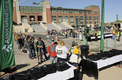 GREEN BAY PACKERS: Community invited to 'Associated Bank Community Day'