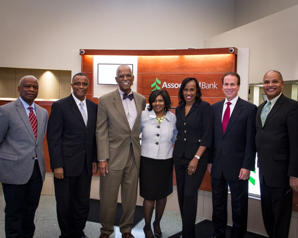 Jackie Joyner-Kersee celebrates Associated Bank's grand reopening of Missouri Ave. branch
