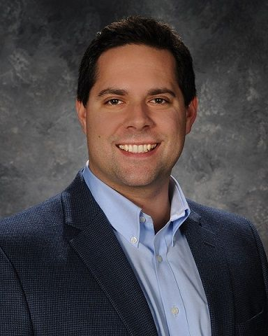 "Jason Eggert of Associated Bank receives Milwaukee Business Journal's ""40 Under 40"" award"