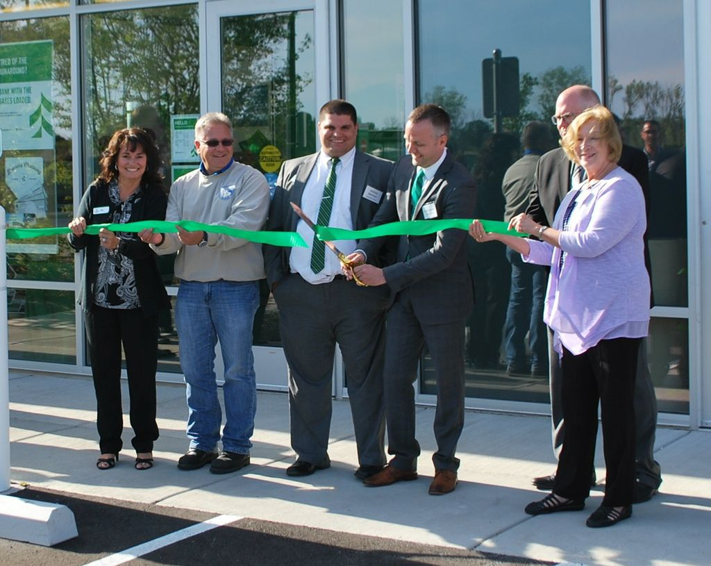 Oak Creek Drexel Down Town Branch Ribbon Cutting