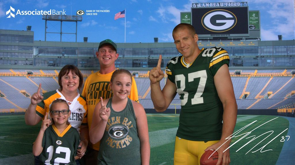 The new Interact With The Pack Virtual Photo Experience featuring Jordy Nelson, Randall Cobb, David Bakhtiari and Bryan Bulaga is available to fans at all home games.