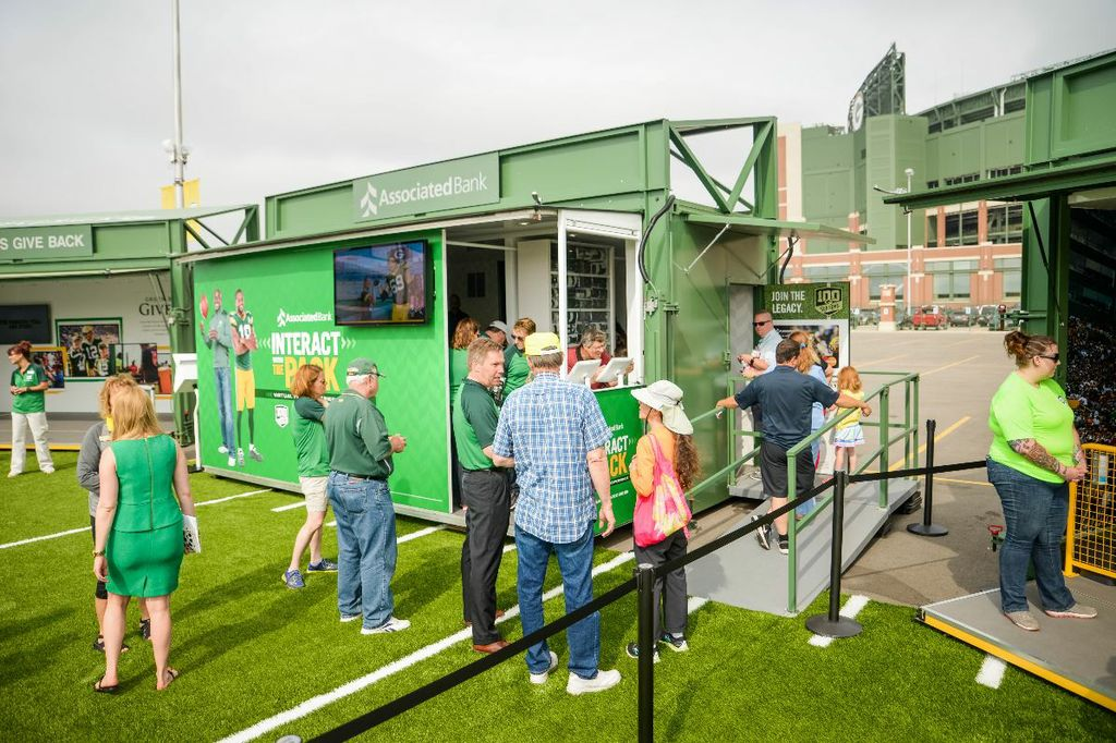 "Associated Bank's ""Interact With The Pack Virtual Photo Experience"" at Lambeau Field Live"