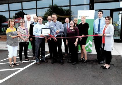 Associated Bank colleagues celebrated the grand opening of the new Hayward branch.