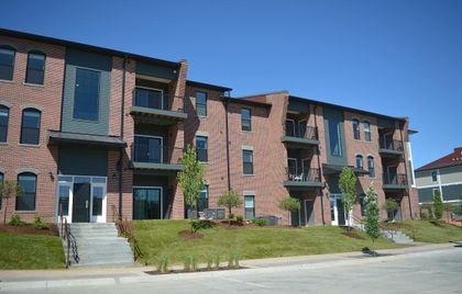 Associated Bank completes $25.5M loan for acquisition of new  St. Louis-area apartment community