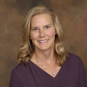 Stacy Stecker promoted to director of private banking at Associated Bank