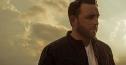 Johnny Reid Colour Photo