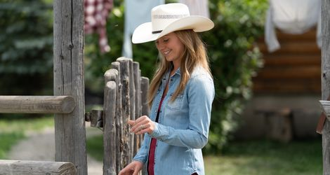 Heartland Season 12 - Amber Marshall 3