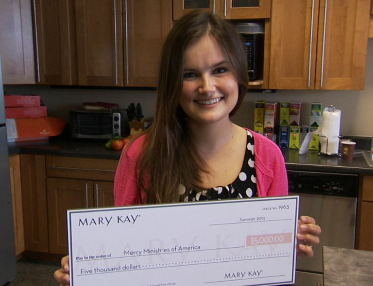 Mary Kay One Woman Can Global Makeover Contest Grand Prize Winnter Tara Patterson