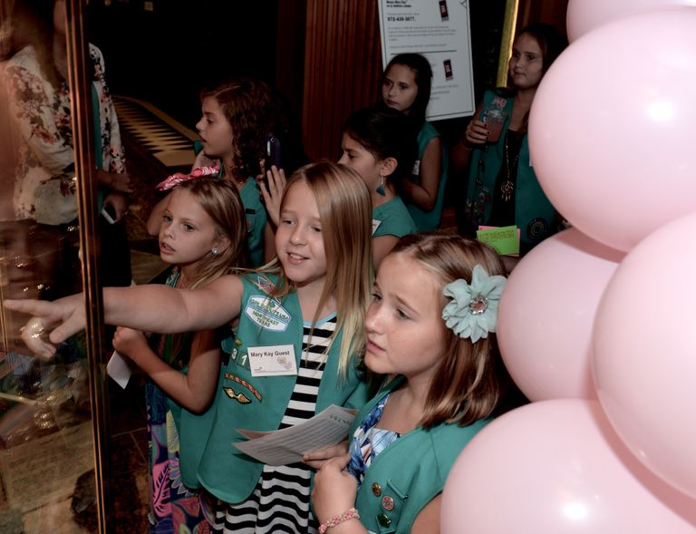 Girl Scouts TMKB museum tour 082015