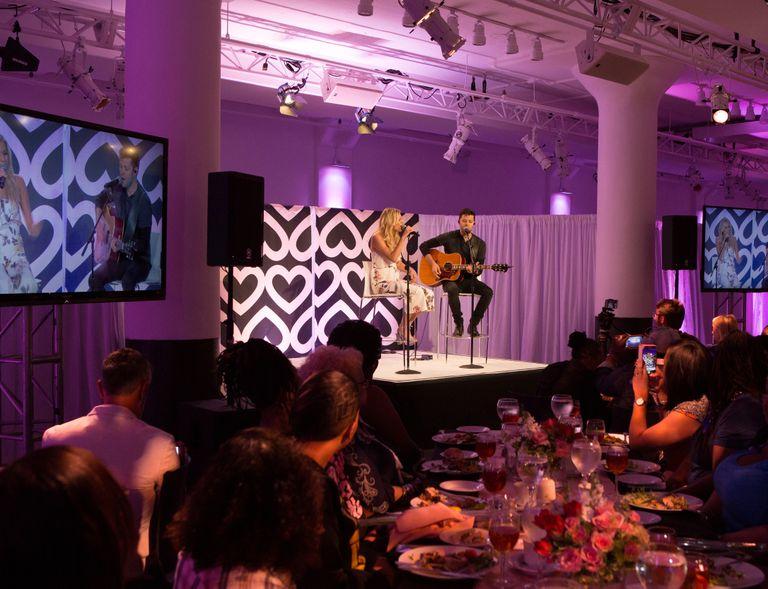 Kelsea Ballerini serenades Mary Kay Global Day of Beauty