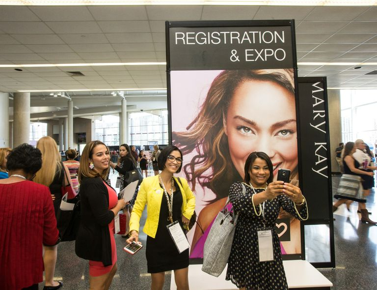 Modern, Mobile + Connected - Changing Face of Mary Kay Convenes for U.S. Seminar 1