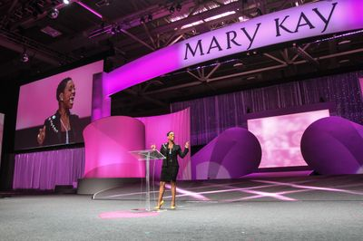 Mary Kay Independent Elite Executive National Sales Director Gloria Mayfield Banks stage