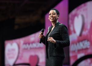 Mary Kay Entrepreneur and Harvard MBA Reaches Pinnacle of Success as Number One U.S. Independent National Sales Director