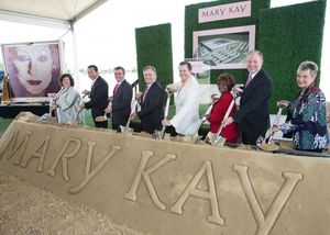 Mary Kay Inc. Breaks Ground on New Global Manufacturing and Research and Devlopment Facility