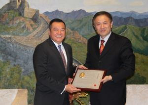 Mary Kay Asia Pacific President Receives Marco Polo Award