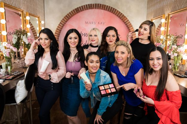 Mary Kay Serves As Official Cosmetics Sponsor for La Reina de La Cancion