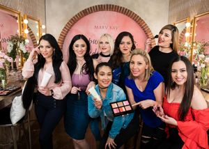 Mary Kay Serves As Official Cosmetics Sponsor for La Reina de La Cancion