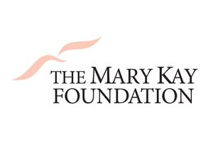 MARY KAY FOUNDATION℠ DONA 25.000 DÓLARES A DENTON COUNTY FRIENDS OF THE FAMILY