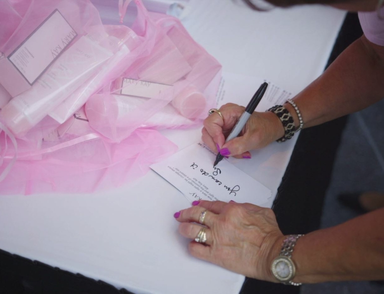 The Peach State Turns Pink as Thousands Convene in Atlanta  for Mary Kay's U.S. Leadership Conference