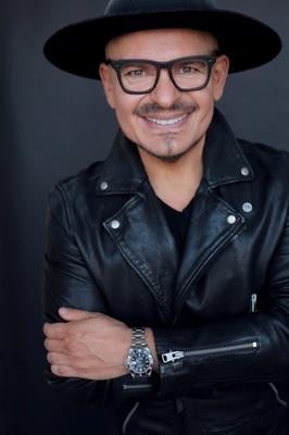 Luis Casco, embajador global de belleza de Mary Kay