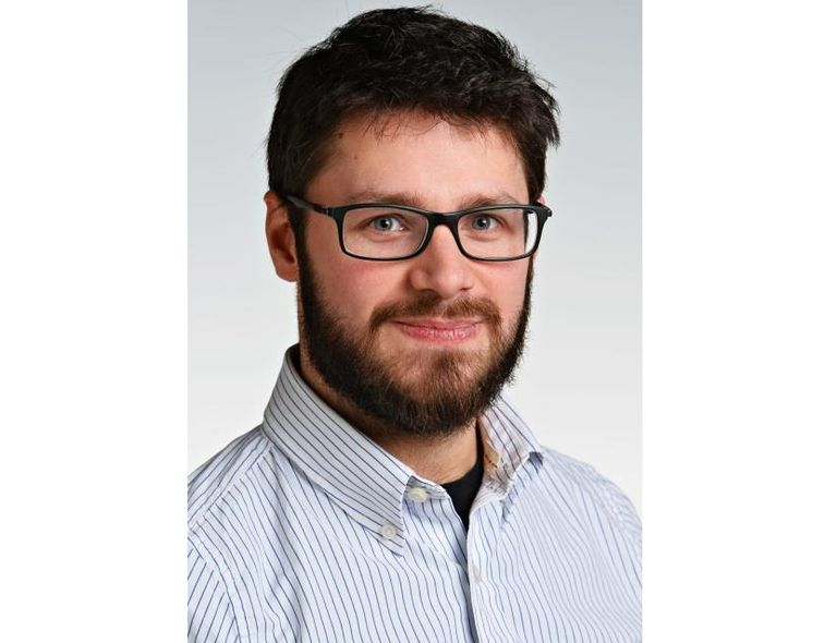Dr. Sebastian Diegeler, PhD, a radiation biologist and immunologist from Germany, the first recipient in Germany of the new International Postdoctoral Scholars in Cancer Research Fellowship at UT Southwestern Medical Center in Dallas, Texas.