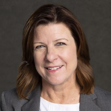 Lynette Schultheis