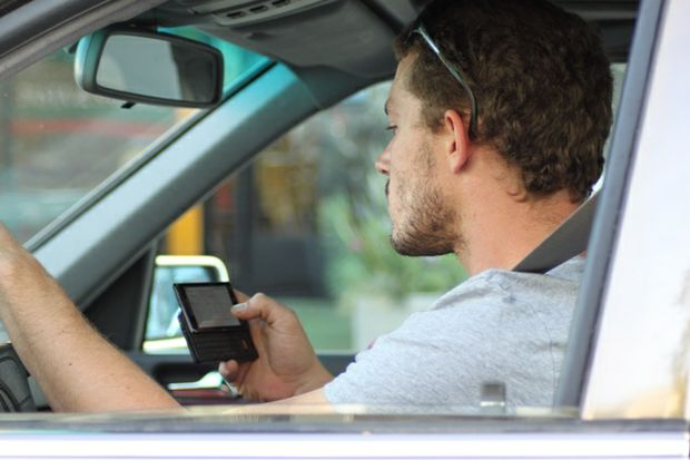 texting while driving courtesy of Lord Jim